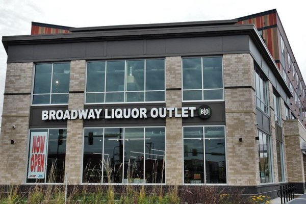 Broadway Liquor Outlet